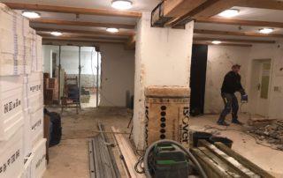 Jugendraum Fußboden abgerissen