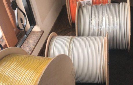 viele Meter Kabel
