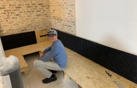 Sitzmöbel mit Vlies bekleben